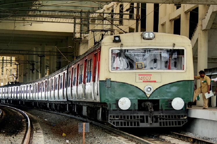 Mother and daughter killed after falling from moving train in Chennai