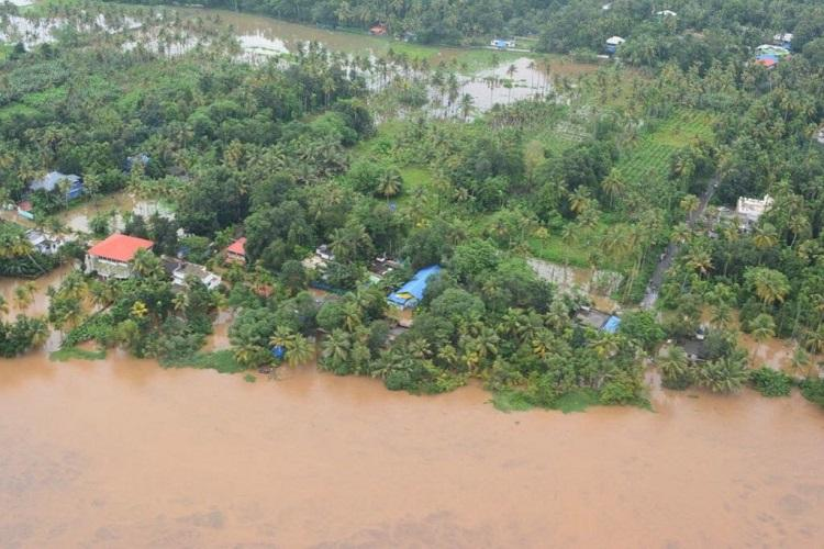 Kerala rains 2 more shutters of Cheruthoni dam opened PM Modi speaks to Pinarayi