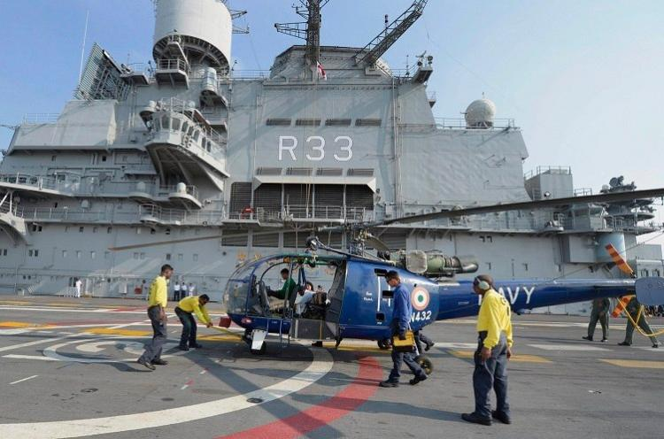 Indian Navys Chetak chopper crashes at Tamil Nadus INS Rajali base crew safe