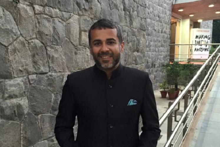 Chetan Bhagat plagiarism charges Ktaka HC directs trial court to hear case