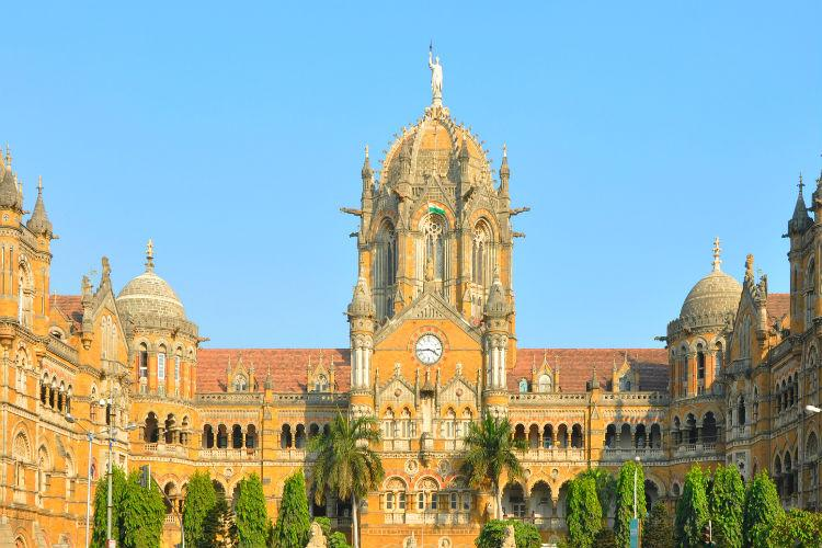 For referring to Mumbai as bomb six youngsters speaking in Malayalam detained