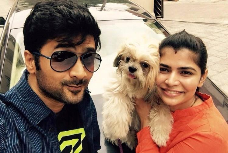 Deal with it Director Rahul slams trolls posts message supporting wife Chinmayi