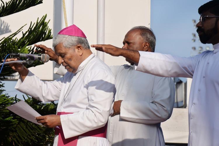 Kerala Catholic churches mosques hoist tricolour read Preamble in CAA protest