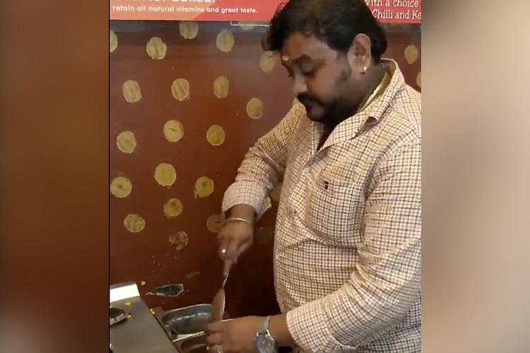 Watch Coimbatore man serves music with sweet corn snack