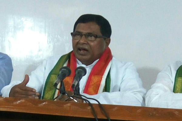 TRS govts behaviour unethical undemocratic says Cong over frequent defections