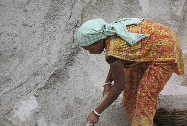 Forced out of their homes for dam building in 60s these TN families remain bonded labourers
