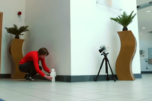 Watch The amazing camera that can see around corners