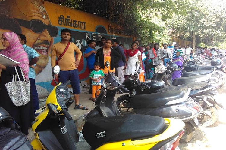 Chennais DAV madness continues Serpentine queues overnight waiting for LKG admissions