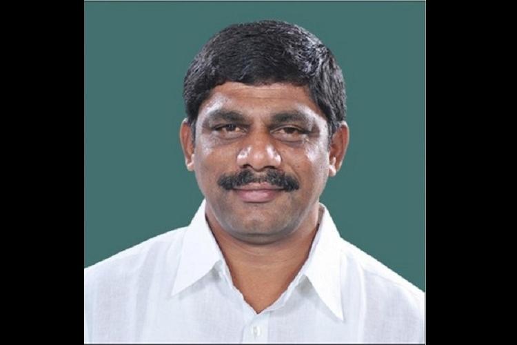 Sub-inspector accuses MP brother of Karnataka Minister of tarnishing his reputation