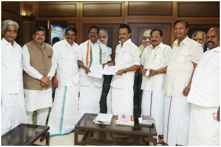 DMK-Congress make it official: Seal alliance in TN for 2019 Lok Sabha polls  | The News Minute