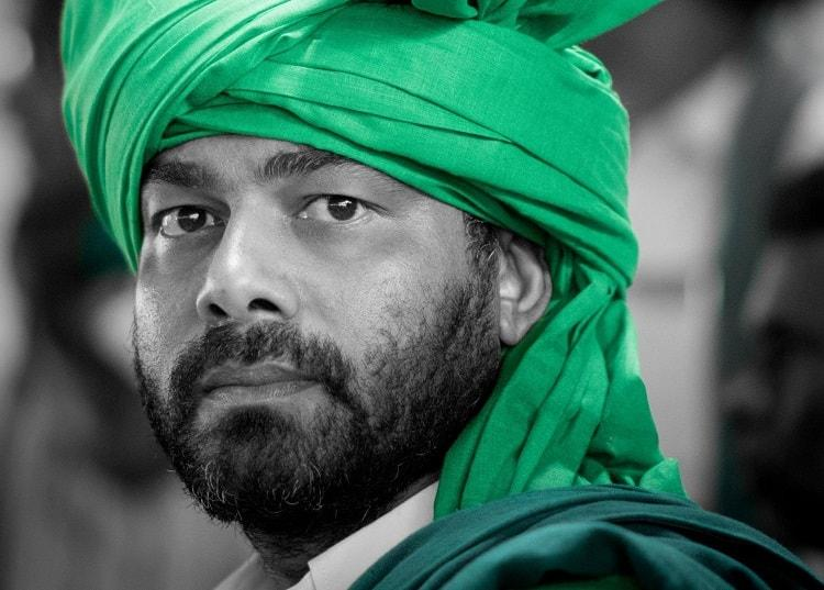 Will Cong back a Swaraj India candidate the son of popular farmer leader Puttanaiah