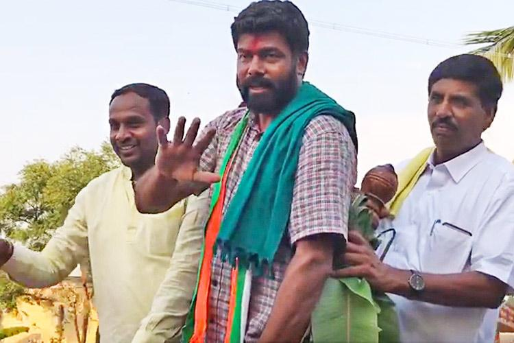 From US boardroom to fields of Mandya Meet a farmer leaders son making his poll debut