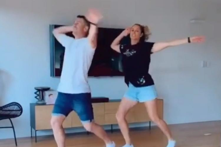 David Warner dance