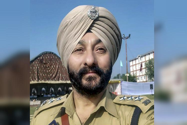 Who is Davinder Singh the decorated JK cop caught with terrorists