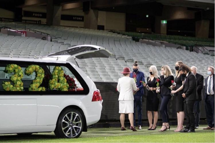 Dean Jones given private farewell in lap of honour at MCG