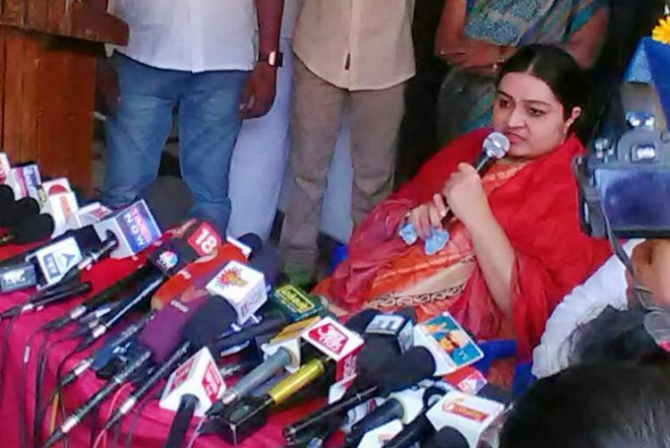 Deepa Jayakumar to contest RK Nagar bye-polls AIADMK divided on candidate
