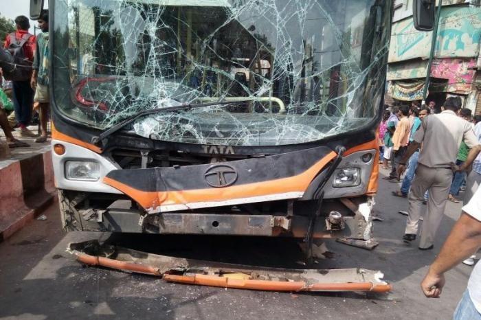 Cardiac arrest-hit bus driver knocks down seven at Delhis Chandni Chowk