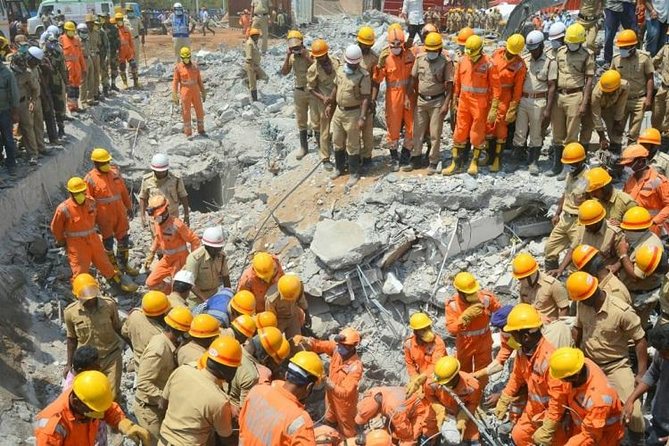 A mother held her daughter under the Dharwad building debris for over 24 hrs