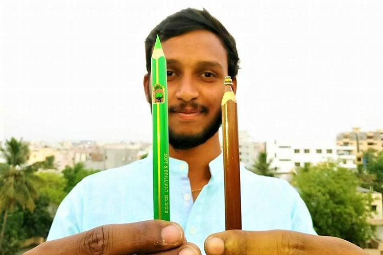 From Abdul Kalam to Eiffel Tower this Hyderabad man sculpts art on a pencil tip