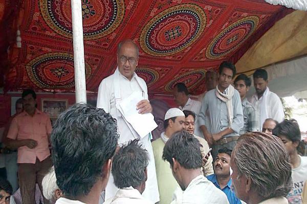 Congress favours Priyanka getting into active politics Digvijaya Singh