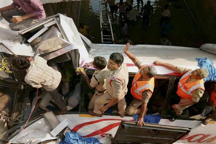 Diwakar Travels accident Dead driver blamed for crash no case against the owner