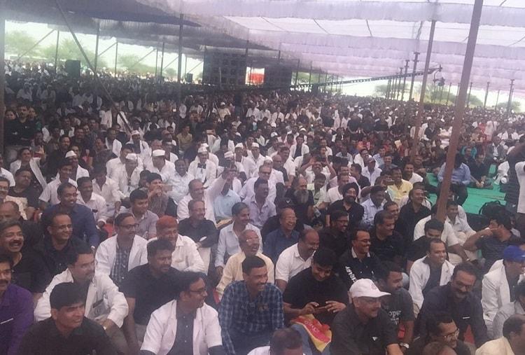 Karnataka doctors call off strike did CM agree to water down KPME amendments