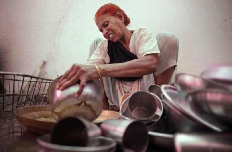 Now Karnataka govt plans to train and provide certification for domestic workers in the state