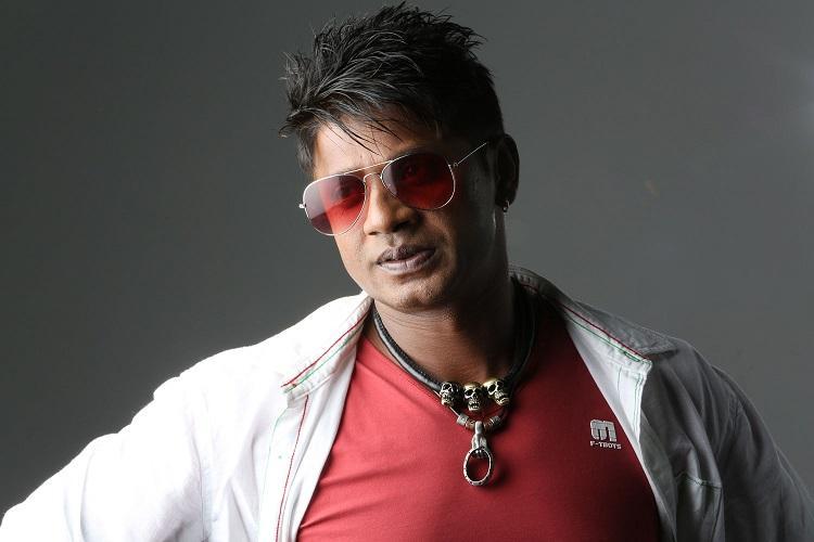 Duniya Vijay to play an auto-driving Dr Rajkumar fan in R Chandrus Kanaka