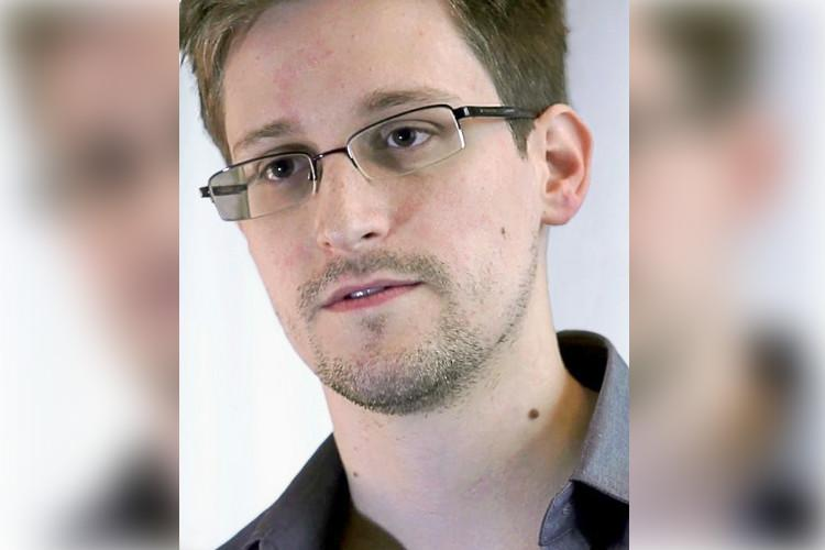 Demand to link Aadhaar to services must be criminalised Edward Snowden