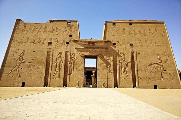 Egypts love for Bollywood amidst its tourism turmoil