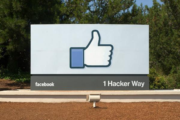 We remove content if it celebrates glorifies violence Facebook