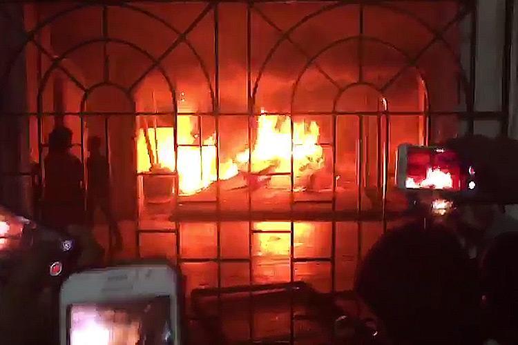 Violence arson at Chennais Sathyabama University after student kills herself