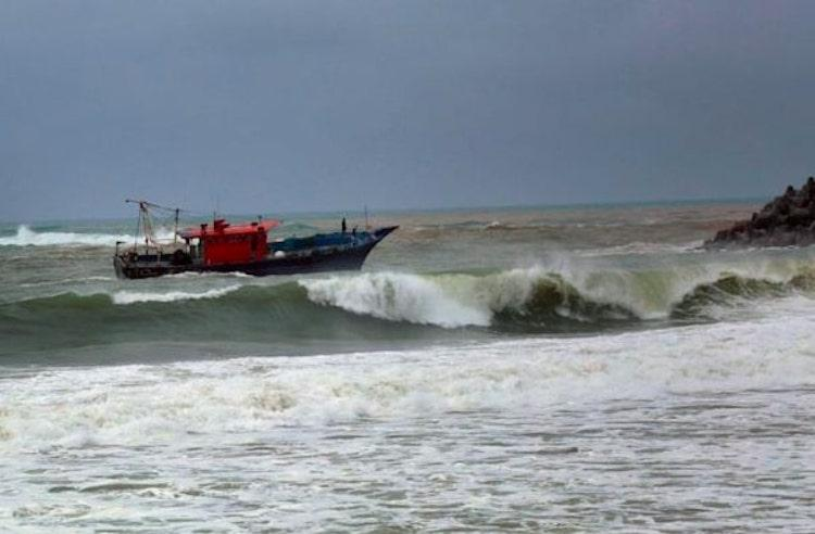 Despite warnings of perilous weather over 100 fishing boats still at sea