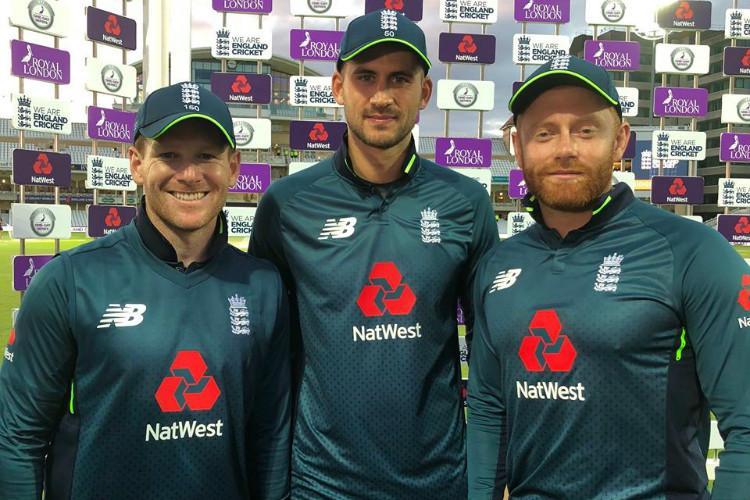 England post world-record ODI total of 481 thrash Australia