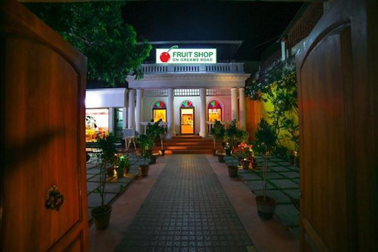 A Fruit Shop on Greams Road outlet in Pondicherry