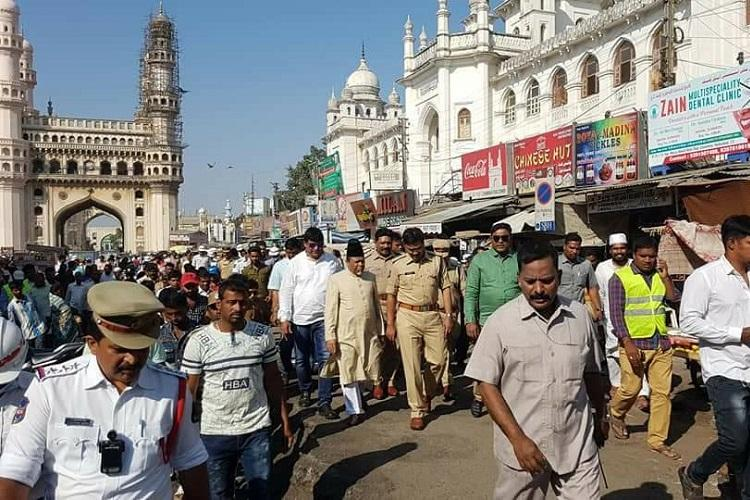 After protests fruit vendors around Charminar relocated for pedestrian project