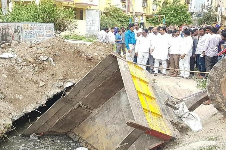Hyd civic worker falls into septic tank body retrieved after five hours