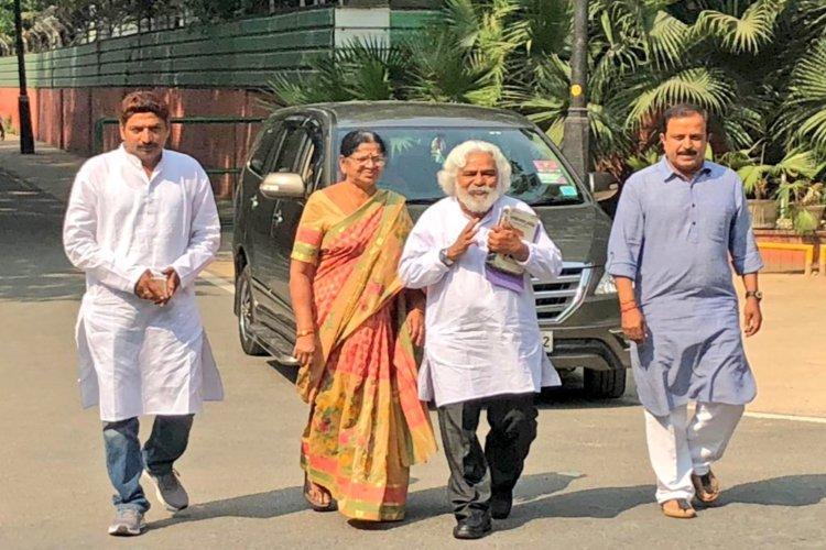 Telangana polls Balladeer Gaddar to contest from Gajwel as independent against KCR