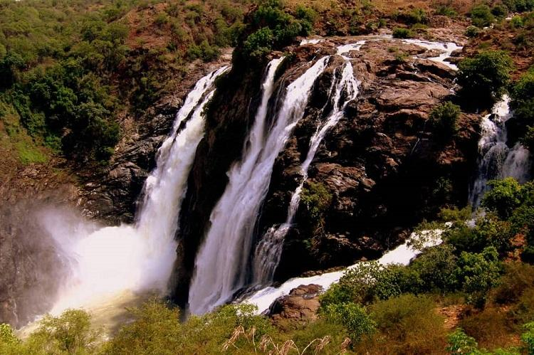 Bengaluru man who survived 51 hrs trapped between boulders at waterfall to be booked