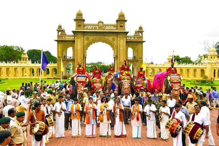 Celebrate Mysuru Dasara with Panjabi tadka only at this Habba in Bengaluru