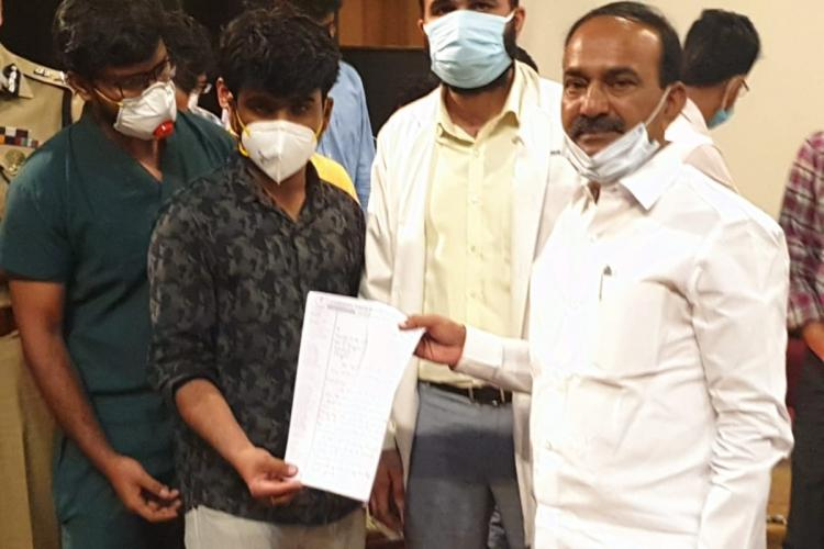 Gandhi Hospital Doctors presenting their list of demands to Health Minister Eatala Rajender