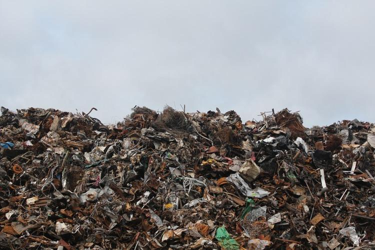 Bengaluru civic body slaps Rs 1 lakh fine on Flipkart subsidiary for burning garbage