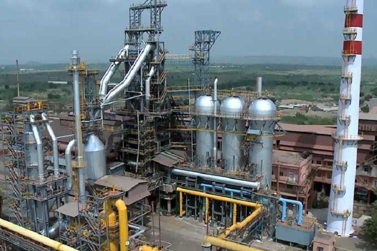 Six die after gas leakage in Andhra steel plant company suspends operations