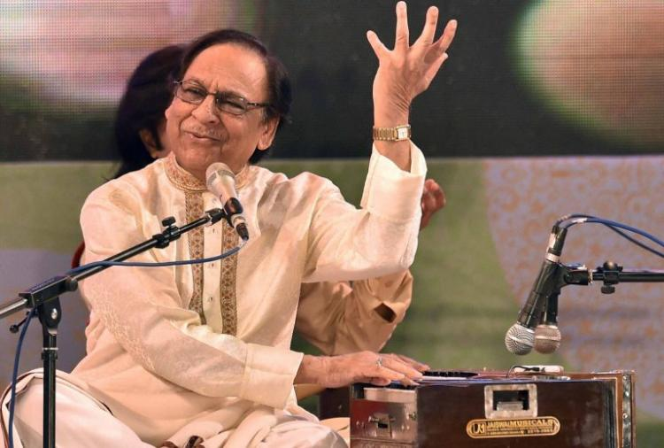 Dear Shiv Sena this is the royal welcome Kerala is giving Ghulam Ali