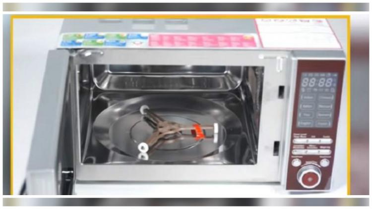 Godrejs GME 20CM1 MJZ Review A microwave oven that offers AI-like intelligent cooking