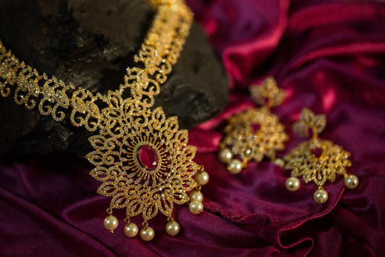 Jewellers body seeks rollback of gold import duty to prevent further job losses