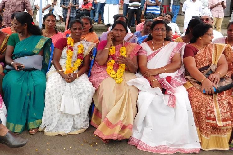 Pembilai Orumai complaint on Gomathi Latest in the once powerful groups internal rift