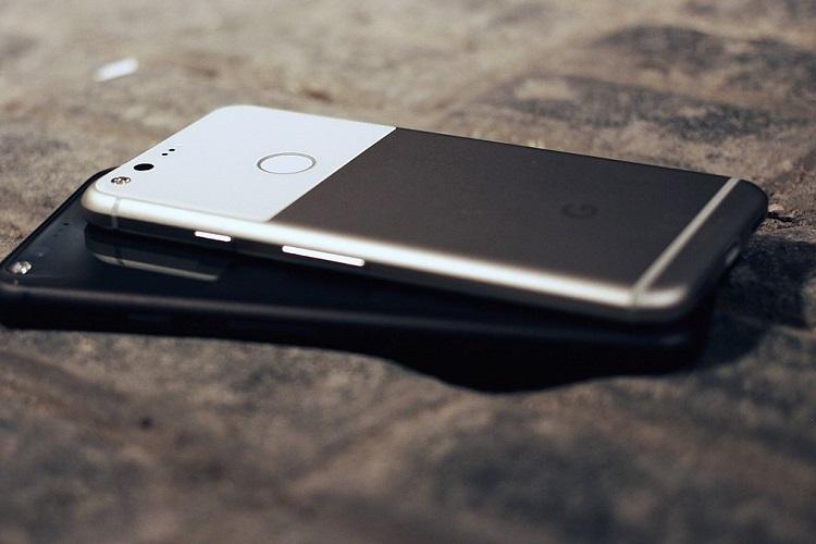 Google stops selling original Pixel Pixel XL smartphones