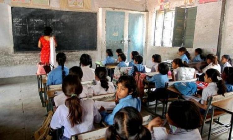 Over 12000 govt school teachers in Ktaka not paid for 6 months CM blames Centre