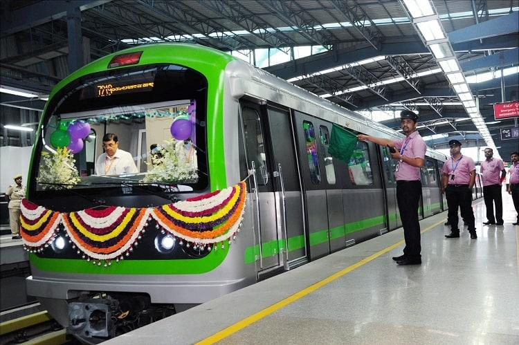 Day after Green Line launch Bengalurus Namma Metro sees over 3 lakh commuters